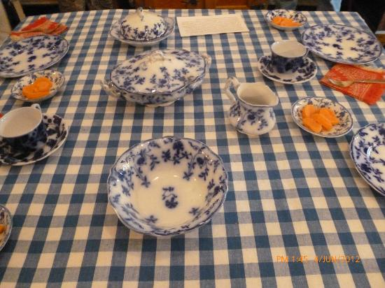 Benjamin Harrison Presidential Site: Kitchen table set for a meal