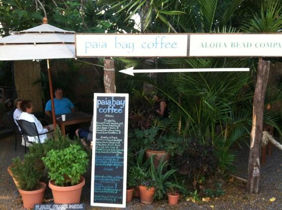 Paia Bay Coffee: Outdoor Seating