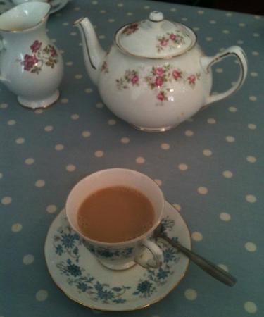 Rosie Lea Tea House & Bakery: Pretty tea set