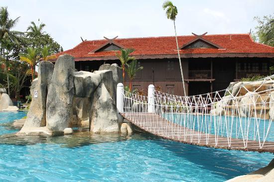 Pool Picture Of Meritus Pelangi Beach Resort Spa Langkawi Pantai Cenang Tripadvisor