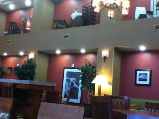 Hampton Inn & Suites Clovis - Airport North: breakfast lounge