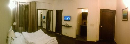 Trinity Art Hotel: Front view of the room