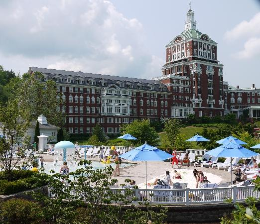 The Omni Homestead Resort: New Allegheny Springs family water attraction