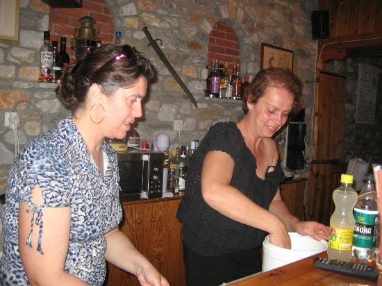 Hotel Nina Megali Ammos: De sødeste søstre!