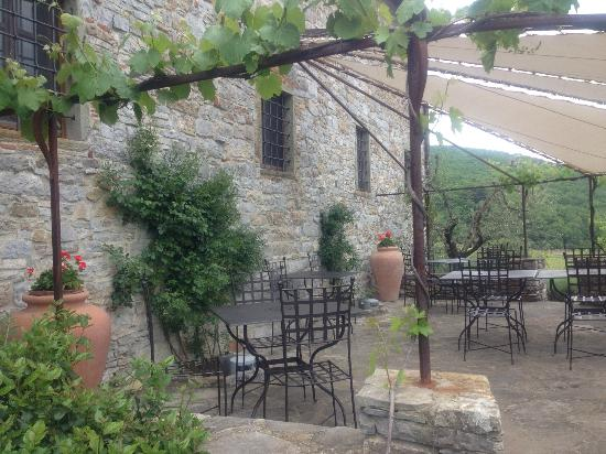 La Petraia: Outdoor dining area