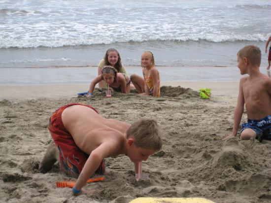 Nuevo Vallarta Beach: Great sand for the kids