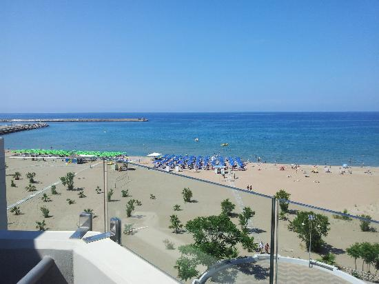 Kriti Beach Hotel: Utsikt från vår balkong