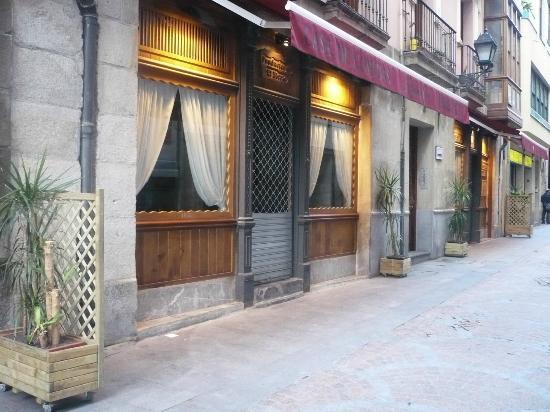 Prada a Tope: Precioso restaurante en el Casco Viejo