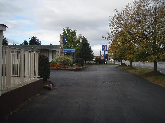 Motel 6 Harrisonburg: front