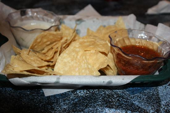 Si Senor: Tortilla Chips with 2 Condiments