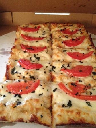 CJ's Italian Restaurant: deep dish