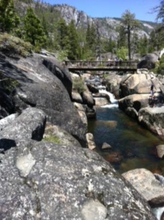 Pinecrest Lake Resort: Waterfall you see on hike around lake