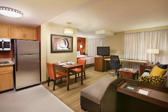 Residence Inn by Marriott Calgary Airport: Studio