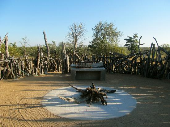 Baobab Ridge: the braai area (barbecue)/ outdoor cooking