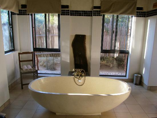 Baobab Ridge: bathroom