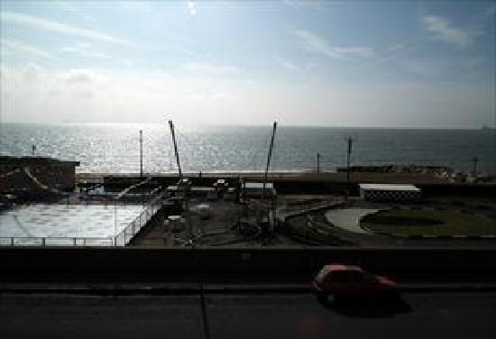 Marlborough Hotel: Sea View1