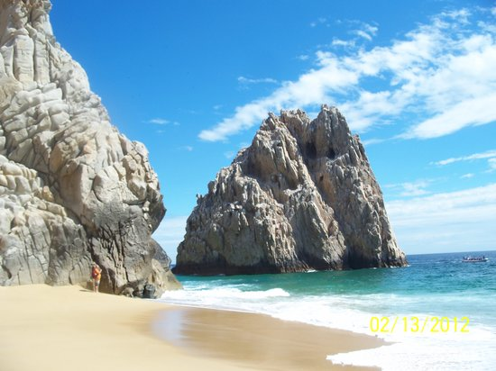 Playa del Amor (Lover's Beach) : Other side of lover's beach; Divorce Beach (no swimming)