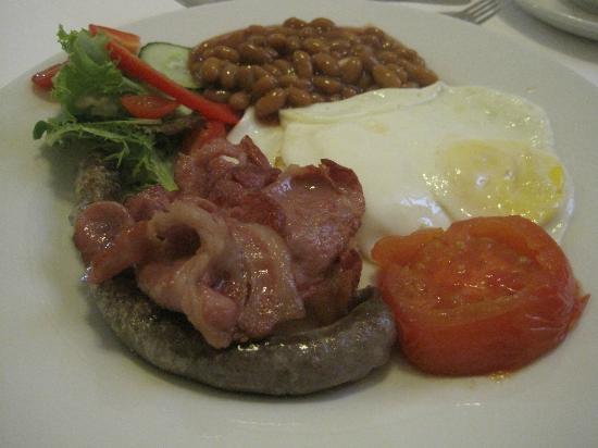 "Sonnekus Guest House: The ""Kitchen Sink"" Breakfast"