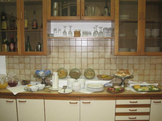Sonnekus Guest House: Breakfast Spread