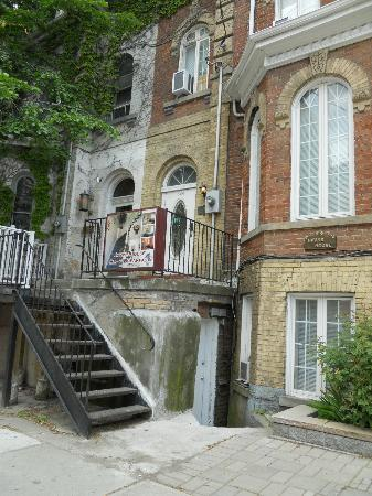 Jarvis House Bed And Breakfast Inn Downtown Toronto: Outside Entrance View