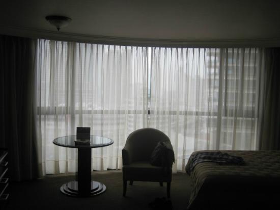 Plaza Paitilla Inn: Ventana panorámica de la habitación