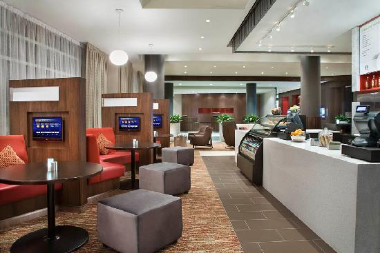 Courtyard by Marriott Calgary Airport: Bistro