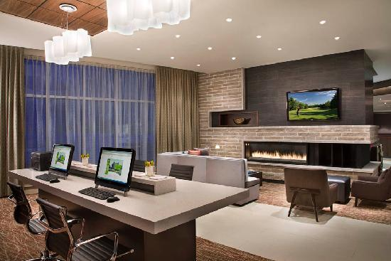 Courtyard by Marriott Calgary Airport: Business Center
