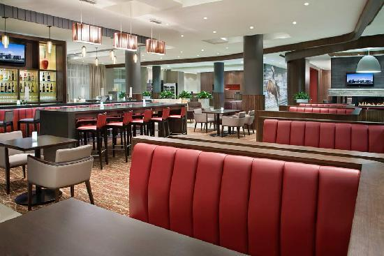Courtyard by Marriott Calgary Airport: Lobby Area