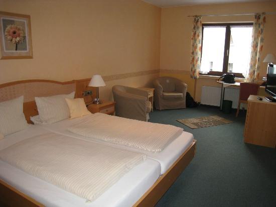 Hotel Kachelburg: Very spacious room
