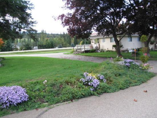 Apple Grove Motel, Campground & RV Park: --