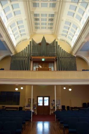 St Andrew's on the Terrace : A grand organ