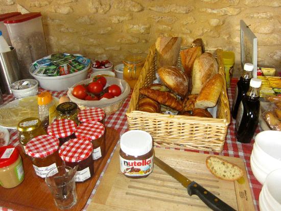 Le Chevrefeuille : Breakfast