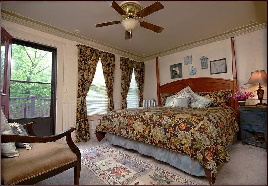 J. Palen House Bed & Breakfast: webster Room