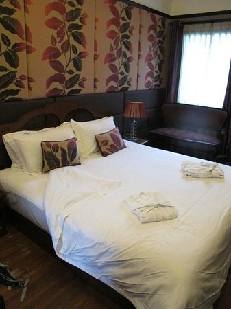 Quintet Bed and Breakfast Guest House: Fleur de Shanghai room