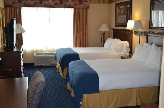 Holiday Inn Express Hotel & Suites Cheyenne: Very nice und spacious guestroom