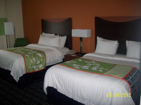 Fairfield Inn & Suites Memphis I-240 & Perkins : Double Beds