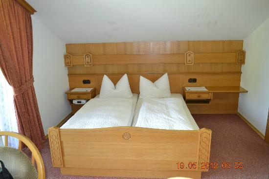 Alpenhotel Bergzauber: Bed