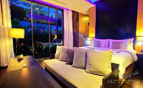 Ramada Khao Lak Resort : Private Pool Bedroom View
