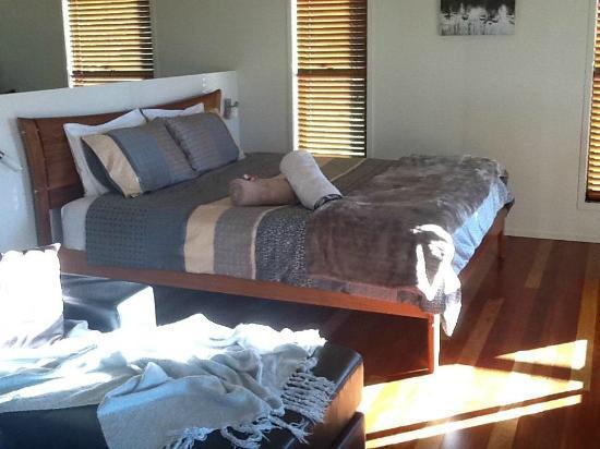 Melawondi Spring Retreat: Beautiful linen and presentation