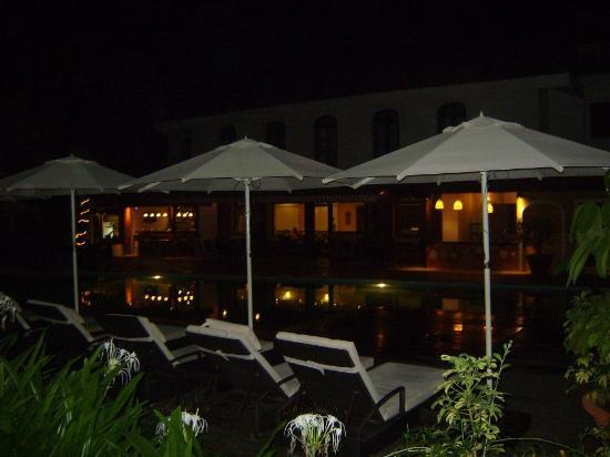 Citrus Goa: Poolside at night