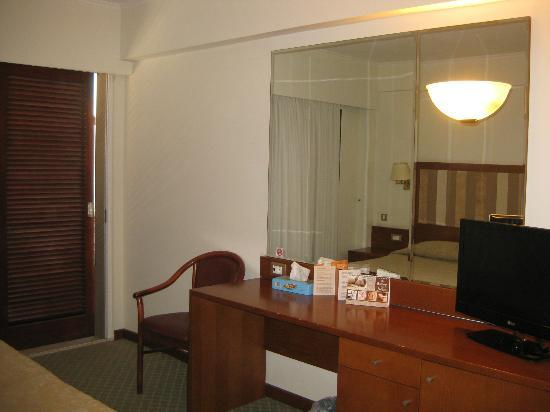 Best Western Hotel Plaza: Bedroom