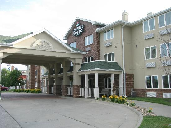 Country Inn & Suites By Carlson, Lincoln North Hotel and Conference Center: Front of the Inn