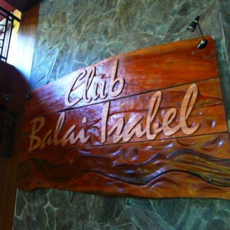 entrance to the clubhhouse and restaurant