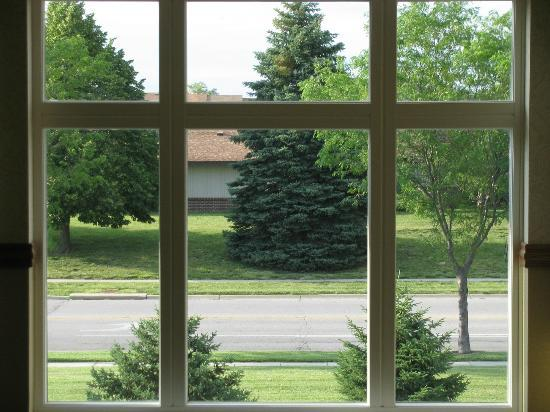 Country Inn & Suites by Radisson, Lincoln North Hotel and Conference Center, NE: View out the Hallway Window