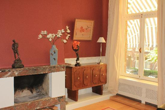 Prince Henry, Private Suites and Gardens: Suite with open fireplace