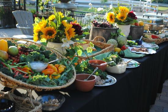 Giracci Vineyards and Farms : Buffet food - OC Wine School launch party