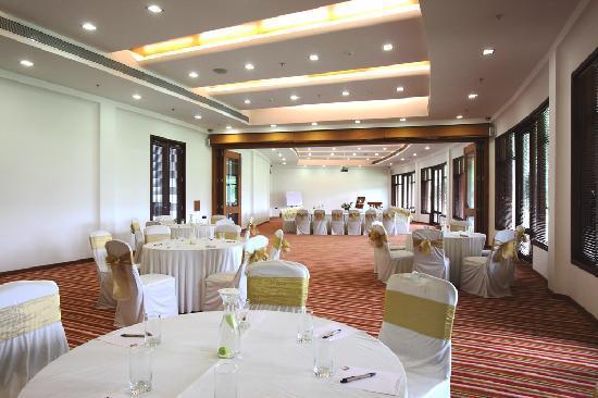Gulmohar Greens - Golf & Country Club Ltd. : Conference Halls