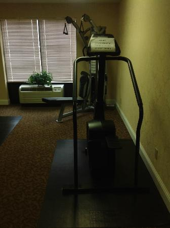 Holiday Inn Express Berea: Fitness Equipment