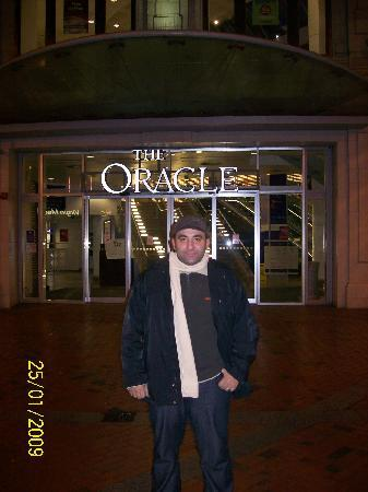 The Oracle: Oracle Mall, Reading