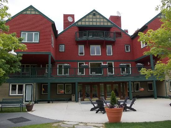 Grand Summit Resort Hotel at Mount Snow: Retro dell'hotel, verso la montagna